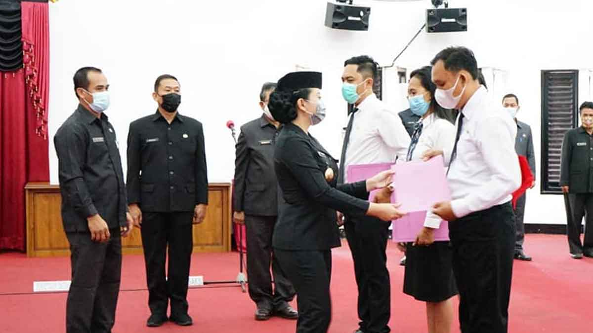 40 Pegawai Terima SK PPPK, Bupati Landak Minta Pegawai Disiplin Kerja